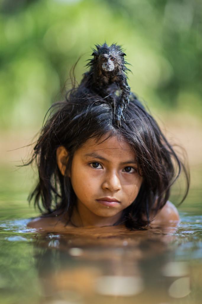 Perù. Yonia, 9 anni, con il suo tamarindo addomesticato
